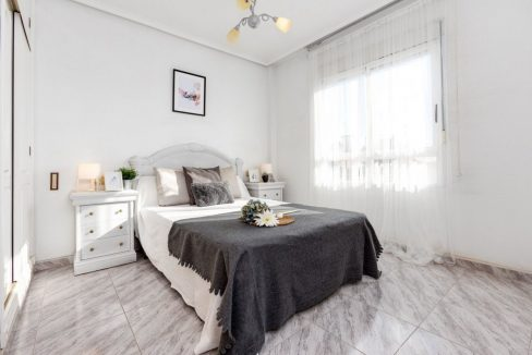 2 Bedrooms Apartment For Sale with Large Terrace in Torrevieja (8)