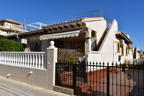 2 Bedrooms Bungalow For Sale with Solarium in La Regia - Orihuela Costa