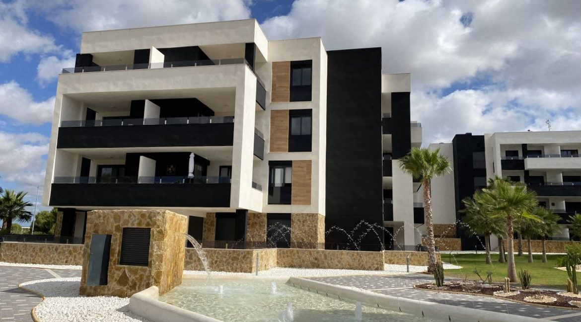 New Build 2 and 3 Bedrooms Apartments For Sale in Orihuela Costa - Swimming Pool with Area For Children (7)