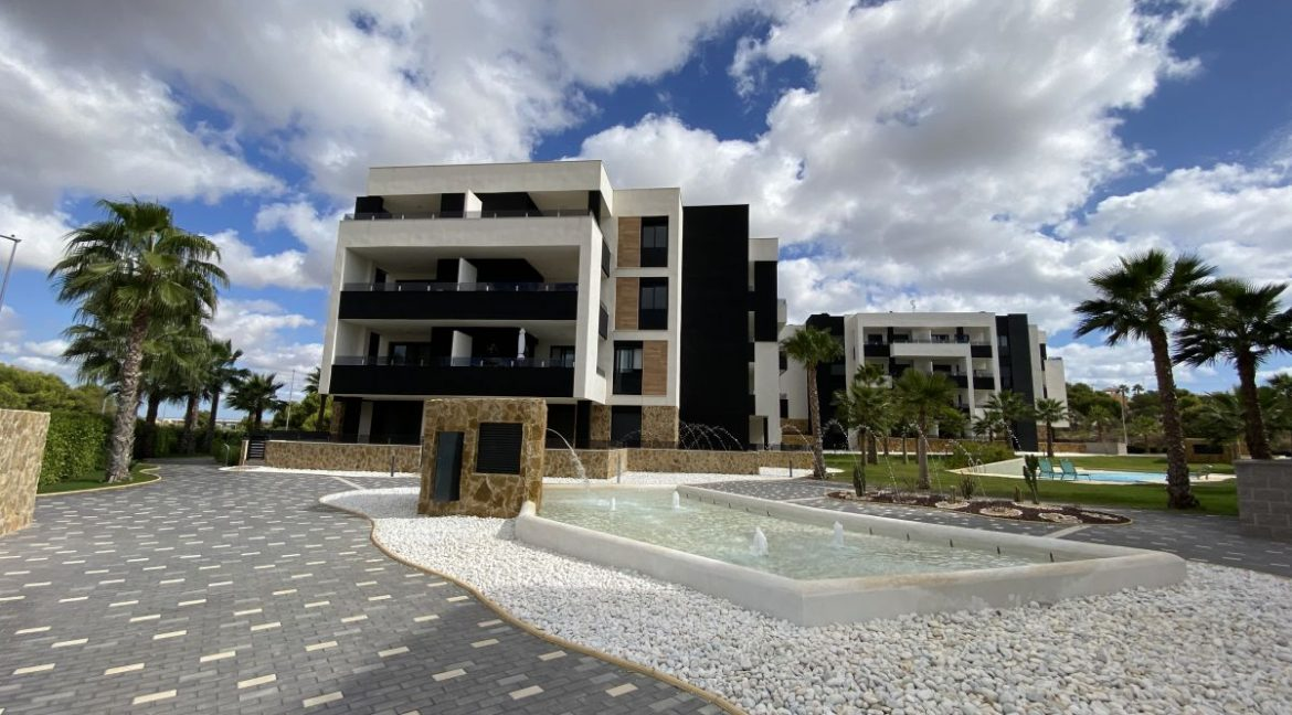 New Build 2 and 3 Bedrooms Apartments For Sale in Orihuela Costa - Swimming Pool with Area For Children (8)
