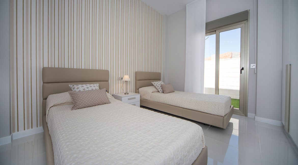 New Build 3 Bedrooms Villas with Swimming Pool For Sale in Orihuela Costa (9)