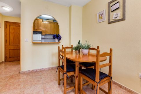 One Bedroom Apartment For Sale with Communal Pool in the Center of Torrevieja (14)