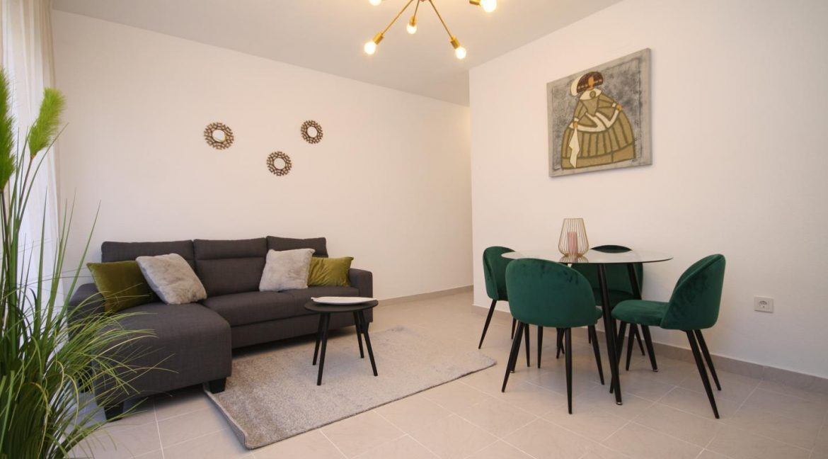 Renovated 1 Bedroom Apartment For Sale in Torrevieja