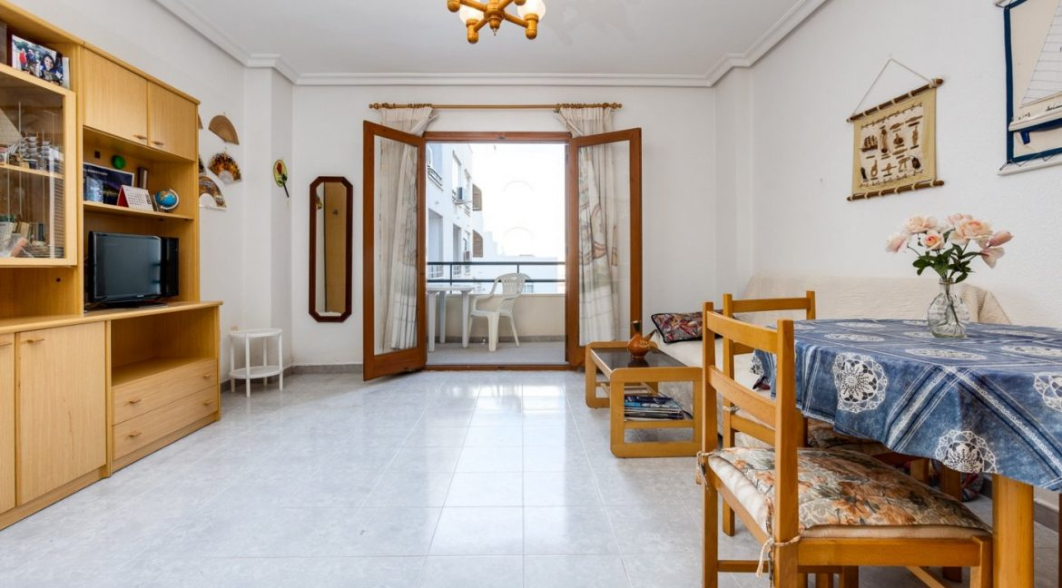 Studio For Sale in Torrevieja with Terrace and Swimming Pool (14)