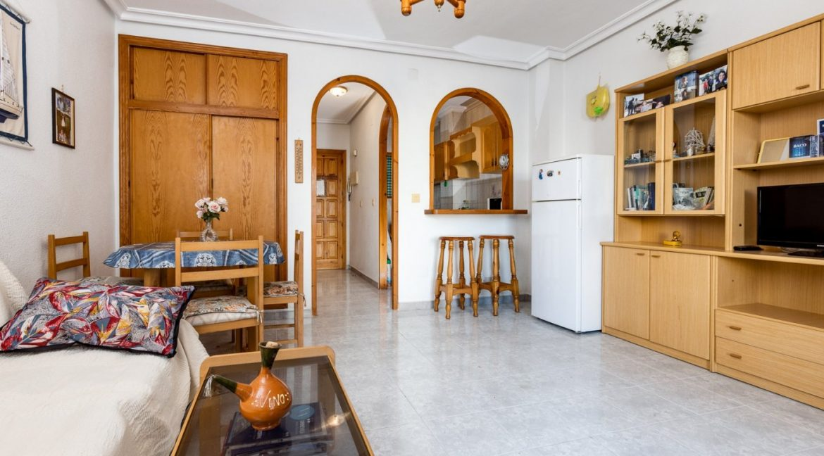 Studio For Sale in Torrevieja with Terrace and Swimming Pool (15)