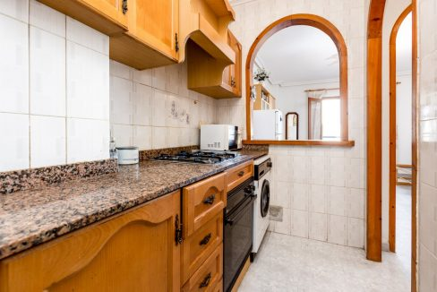 Studio For Sale in Torrevieja with Terrace and Swimming Pool (16)