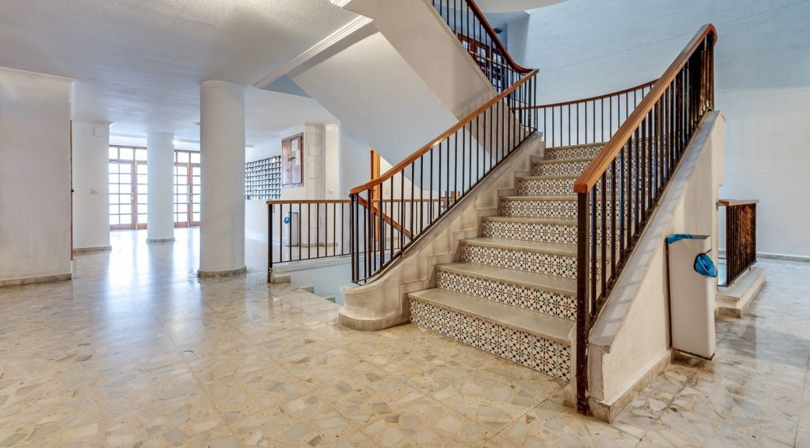 Studio For Sale in Torrevieja with Terrace and Swimming Pool (20)