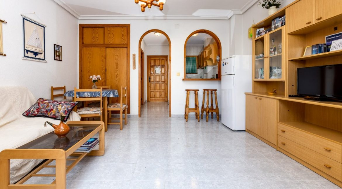 Studio For Sale in Torrevieja with Terrace and Swimming Pool (6)