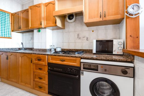 Studio For Sale in Torrevieja with Terrace and Swimming Pool (7)