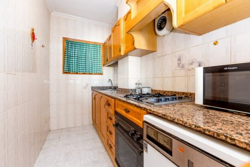 Studio For Sale in Torrevieja with Terrace and Swimming Pool (8)