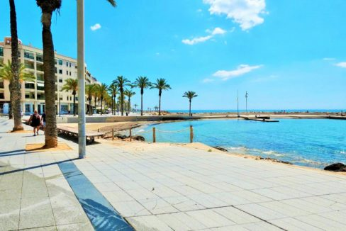 2 Bedrooms Apartment For Sale in Front to the Beach and Natural Pools - Torrevieja