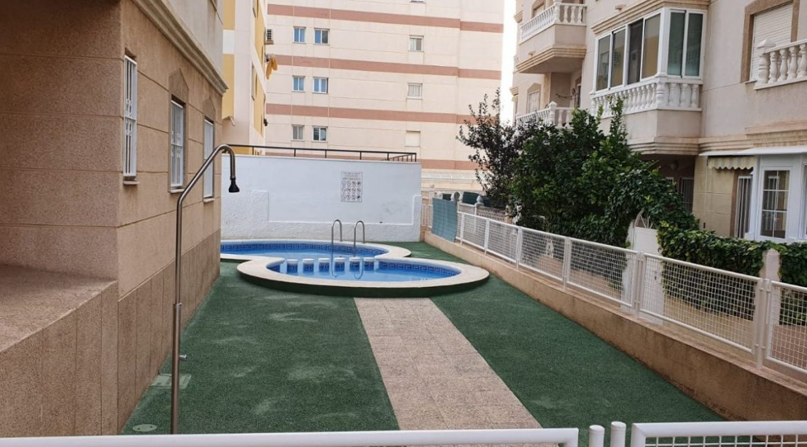 2 Bedrooms Apartment For Sale with Swimming Pool in Nueva Torrevieja (11)