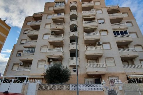 2 Bedrooms Apartment For Sale with Swimming Pool in Nueva Torrevieja (13)