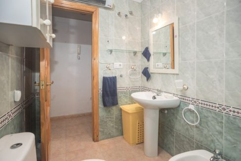 2 Bedrooms Property with Community Pool For Sale in El Cura Beach - Torrevieja