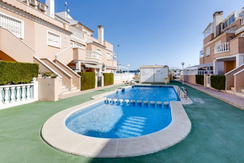 3 Bedrooms Penthouse with Communal Pool For Sale -Torrevieja