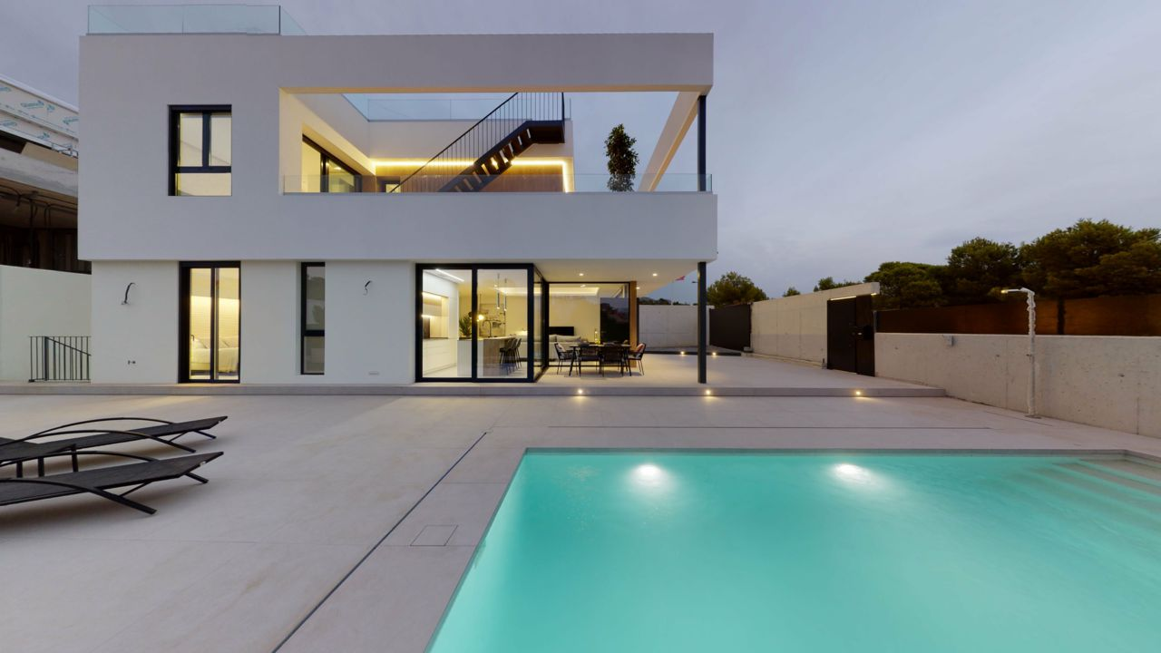 New Build 3 Bedrooms Independent Villas with Swimming Pool For Sale in Finestrat