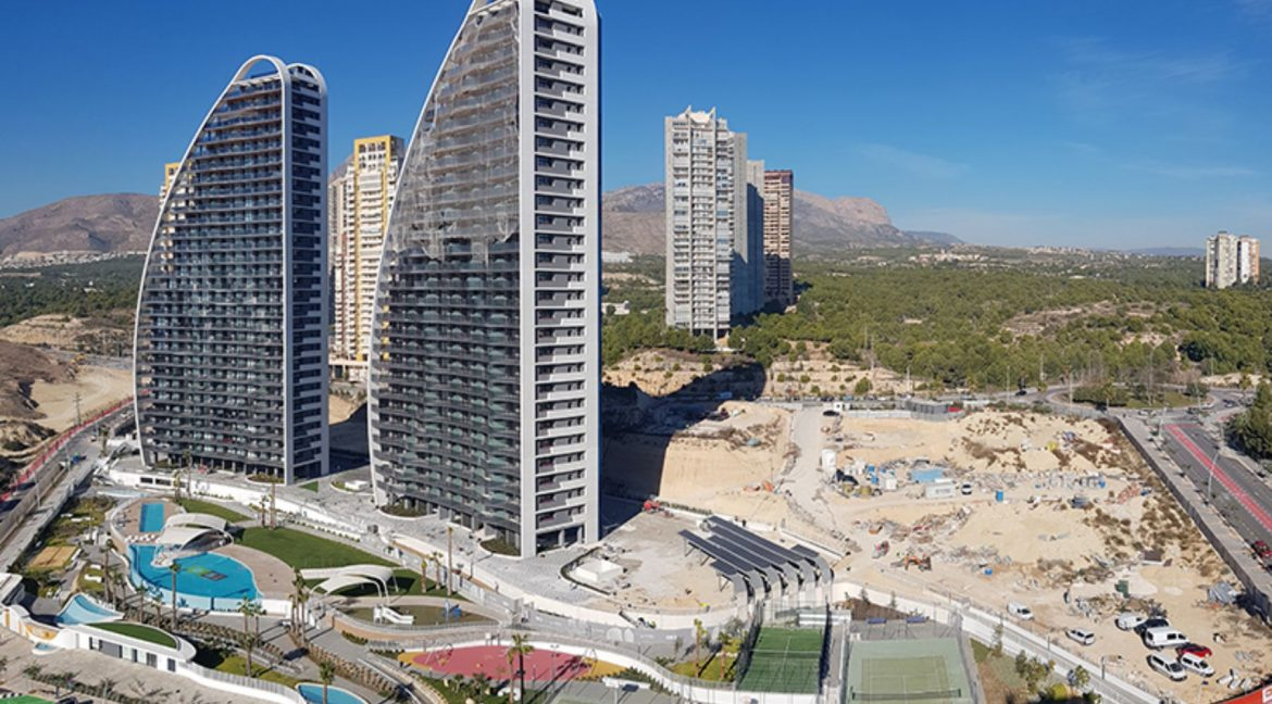 New Build Apartments with Sea Views Just 200 meters from Poniente Beach in Benidorm (12)
