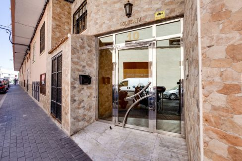 Studio For Sale with Communal Swimming Pool in Torrevieja