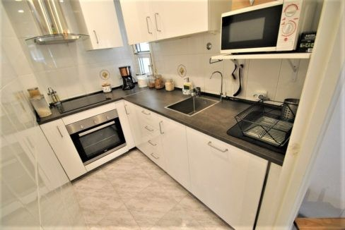 2 Bedrooms Apartment With Garage For Sale in Torrevieja Center