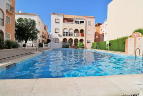 2 Bedrooms Modern Penthouse with Private Solarium For Sale in Playa de los Naufragos - Torrevieja