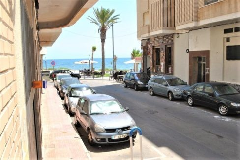 Ground Floor Apartment For Sale in Playa del Cura - 50 meters from the beach