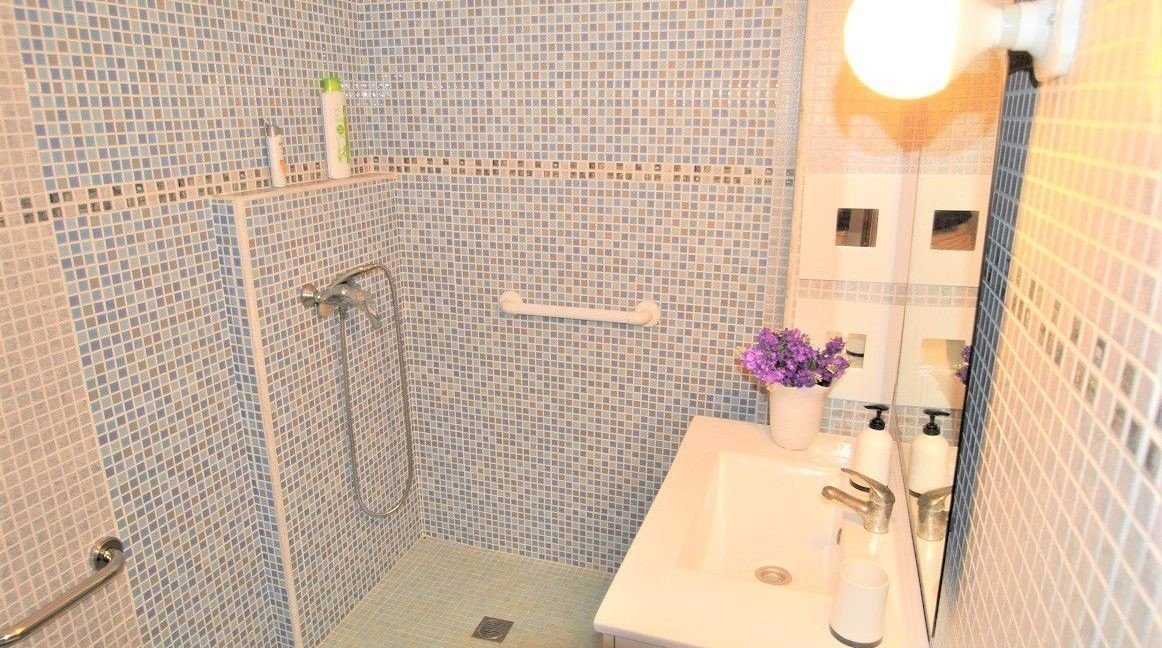 Ground Floor Apartment For Sale in Playa del Cura - 50 meters from the beach (8)