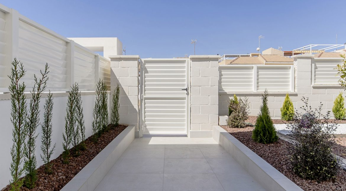 New Build 3 Bedrooms Villas with Basement For Sale in Cabo Cervera - Torrevieja (119)