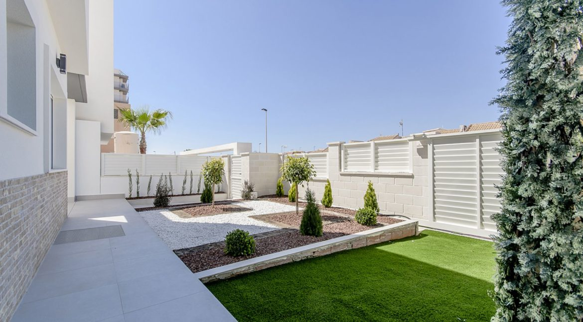 New Build 3 Bedrooms Villas with Basement For Sale in Cabo Cervera - Torrevieja (124)