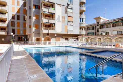 2 Bedrooms Apartment Just 300 Meters from Acequion Beach For Sale - Torrevieja