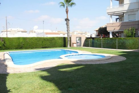 2 Bedrooms Apartment with Big Terrace and Communal Pool For Sale in Torrevieja