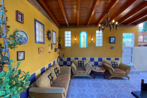 3 Bedrooms Detached Villa with Private Parking and Community Pool For Sale- Villamartin