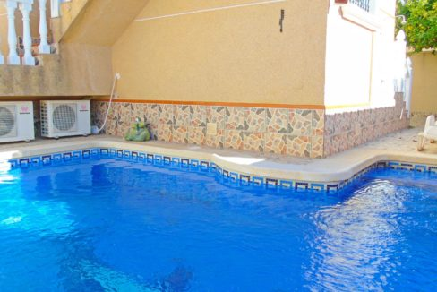 5 Bedrooms Villa with Swimming Pool For Sale in Villamartin