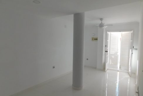 One Bedroom Renovated Apartment Just 50 Meters from La Mata Beach
