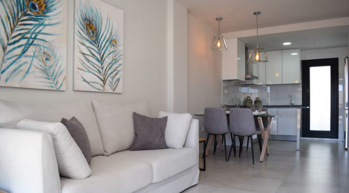 2 Bedrooms Bungalow with Private Solarium For Sale in Mil Palmeras (28)