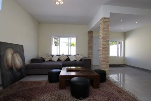 3 Bedrooms Renovated Townhouse For Sale in Torrevieja