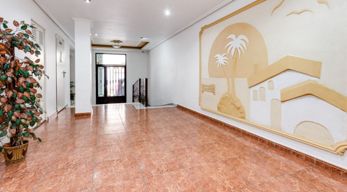 1 Bedroom Renovated Apartment close to the Beach - Torrevieja (1)
