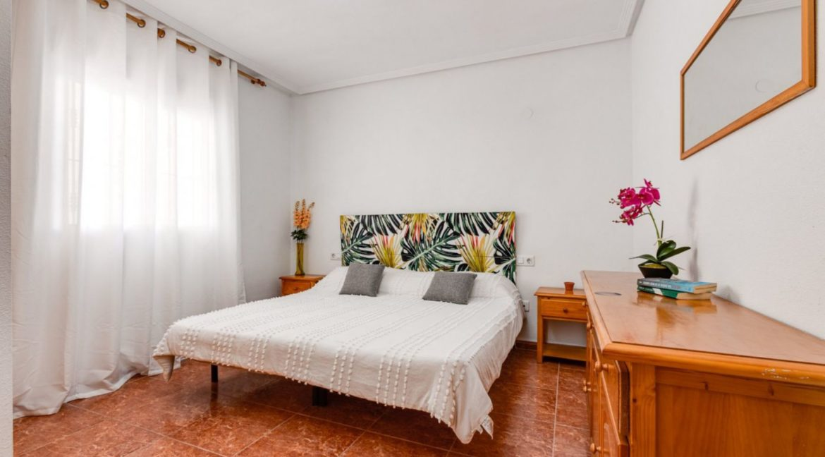 1 Bedroom Renovated Apartment close to the Beach - Torrevieja (10)