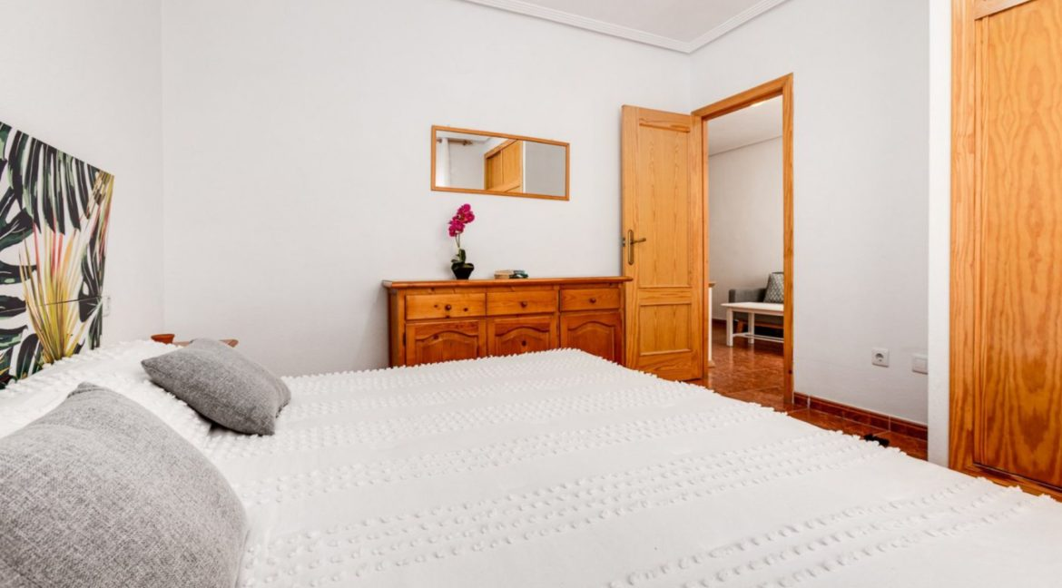 1 Bedroom Renovated Apartment close to the Beach - Torrevieja (11)