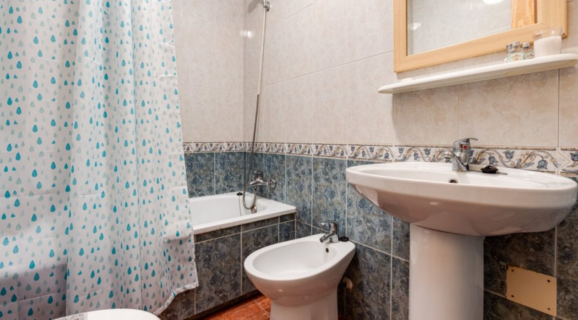 1 Bedroom Renovated Apartment close to the Beach - Torrevieja (14)
