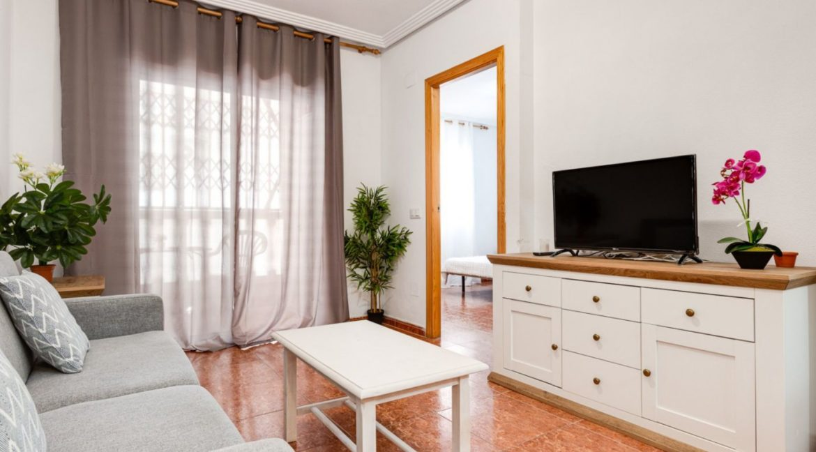 1 Bedroom Renovated Apartment close to the Beach - Torrevieja (3)