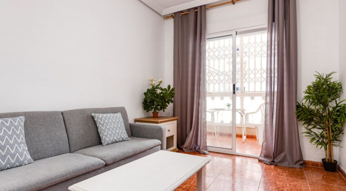 1 Bedroom Renovated Apartment close to the Beach - Torrevieja (4)