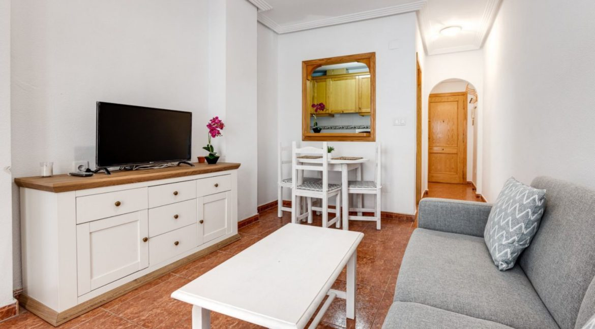 1 Bedroom Renovated Apartment close to the Beach - Torrevieja (5)