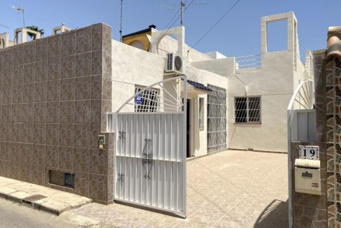 3 Bedrooms Bungalow with Private Solarium For Sale in El Limonar - Torrevieja (1)