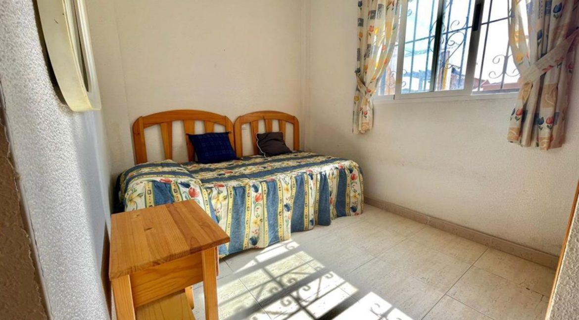 2 Bedrooms Ground Floor Bungalow with Swimming Pool - Torrevieja (13)