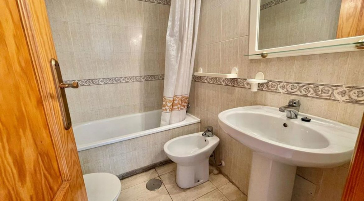 2 Bedrooms Ground Floor Bungalow with Swimming Pool - Torrevieja (15)