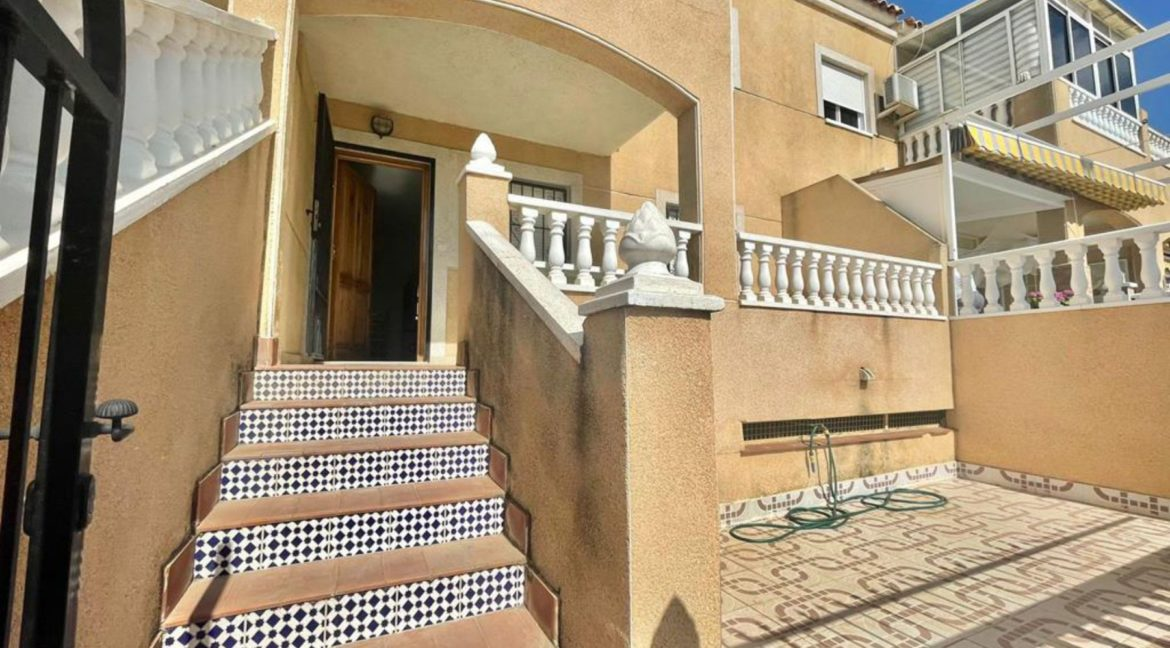 2 Bedrooms Ground Floor Bungalow with Swimming Pool - Torrevieja (17)