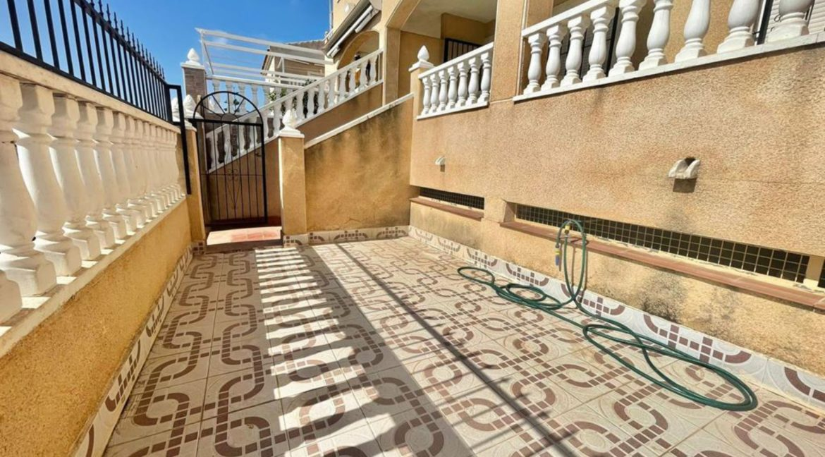 2 Bedrooms Ground Floor Bungalow with Swimming Pool - Torrevieja (21)