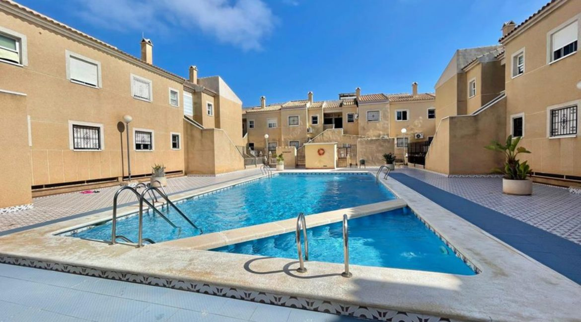 2 Bedrooms Ground Floor Bungalow with Swimming Pool - Torrevieja (25)