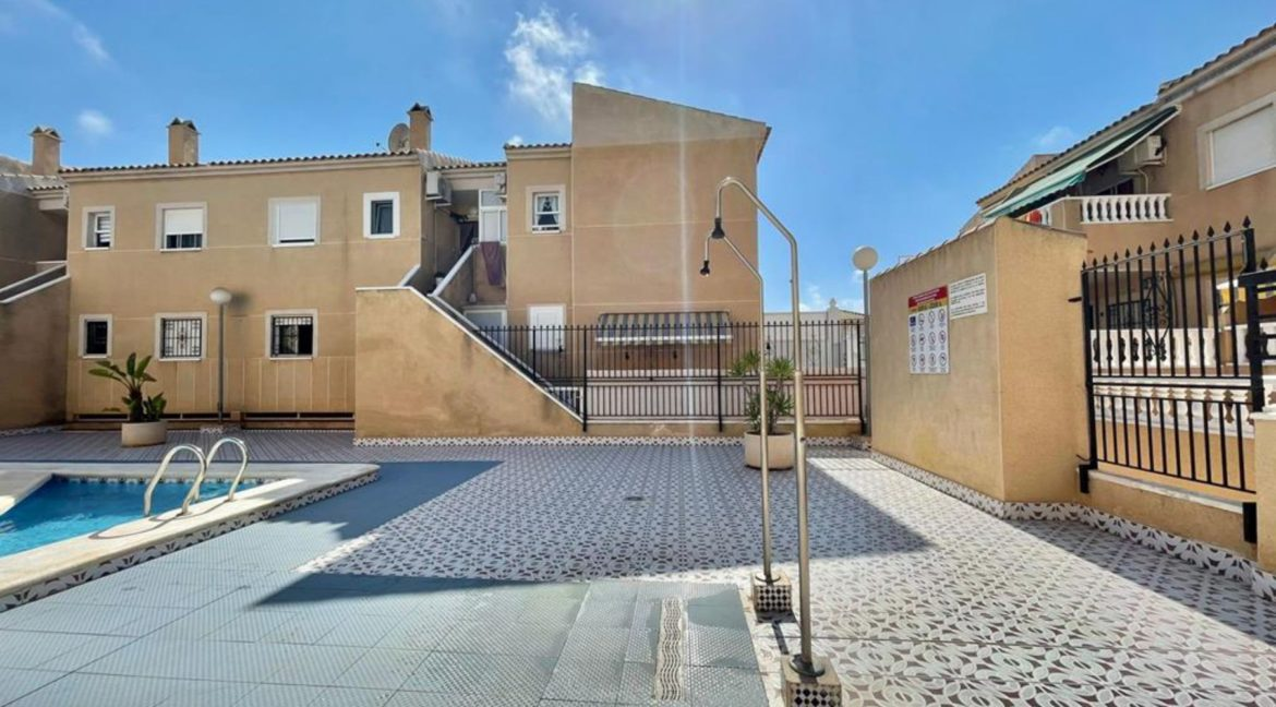 2 Bedrooms Ground Floor Bungalow with Swimming Pool - Torrevieja (26)