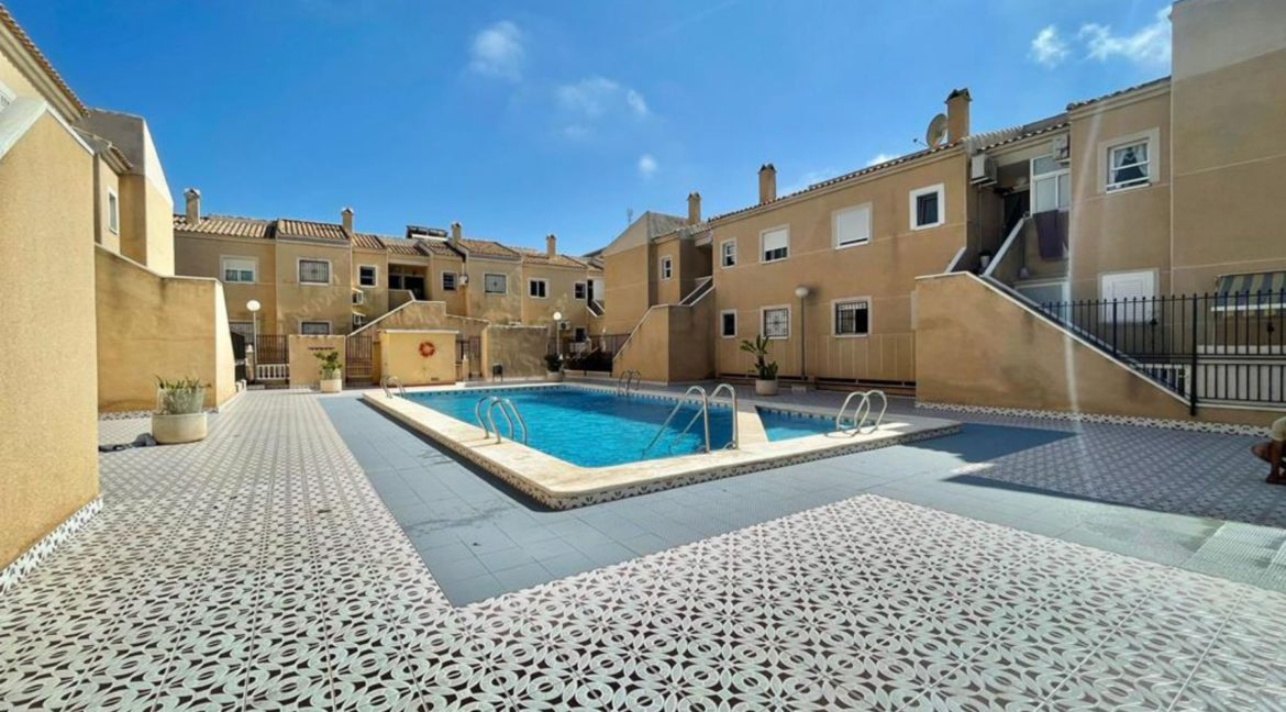 2 Bedrooms Ground Floor Bungalow with Swimming Pool - Torrevieja (27)